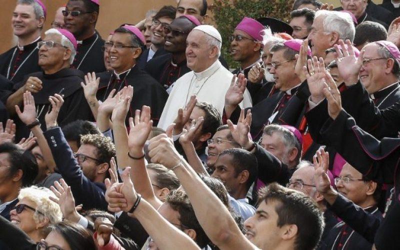 Младите до Папата: Со тебе сме и со сите епископи на нашата Црква