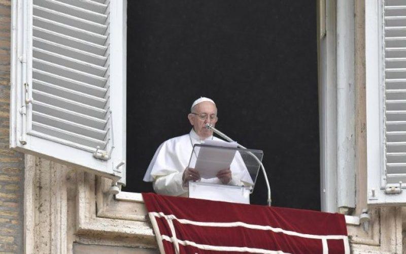 """Папата Фрањо: Првиот плод од Синодата е """"синодалниот стил"""""""