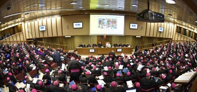 Папата: Сега е моментот за молитва и покора за да ја браниме Црквата од големиот тужител
