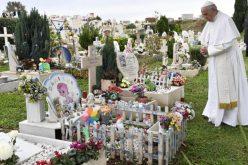 Папата: Никогаш да не се загуби сеќавањето и надежта