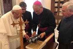 """Папата ги поздрави учесниците во проектот """"пловечка болница"""" во Амазонија"""