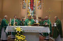 Кардинал Пулиќ ја предводеше благодарствената света Миса во Скопската катедрала