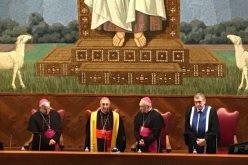 Папата основа студии за Науки за мирот