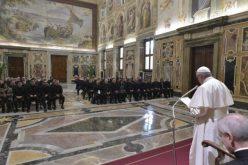 Папата: Црквата е место за средба