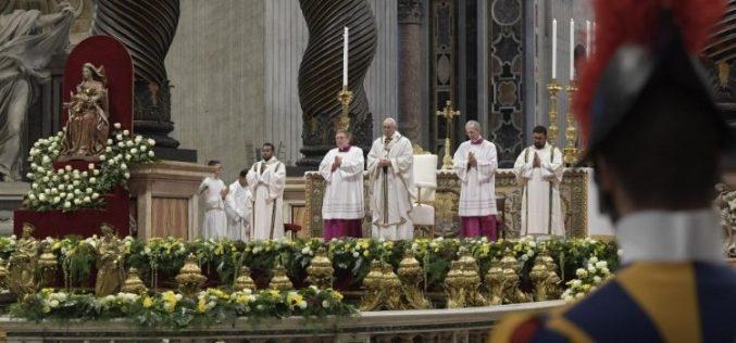 Папата: Неправдата е коренот на сиромаштвото