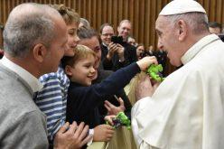Папата: Идолопоклонството уништува