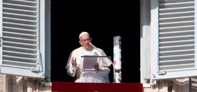 Папата повика на молитва за мир во Сирија