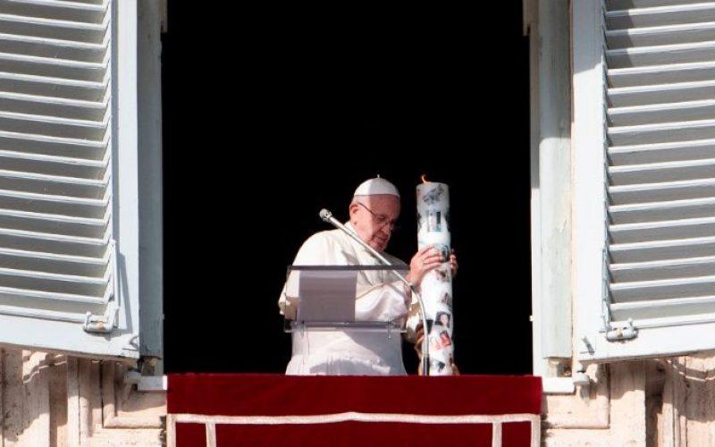 Папата: Не останувајте затворени во проблемите