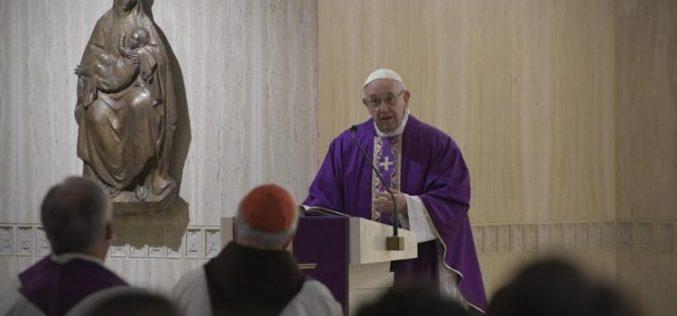 Папата: Да дозволиме Бог да нè утеши