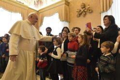 Папата до младите од Католичка акција: Бидете канали на доброто
