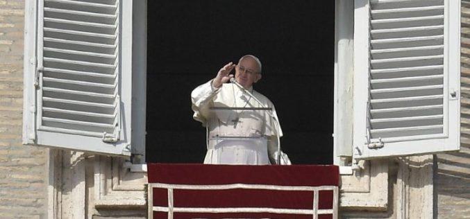 Папата на Ангел Господов: Марија е пример за вера и љубов
