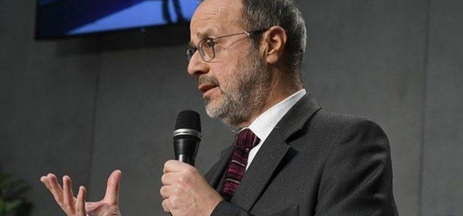 Папата се заблагодари на досегашниот главен уредник на ватиканскиот весник Осерваторе Романо