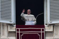 Папата: Семејството е богатство, треба да се чува и штити