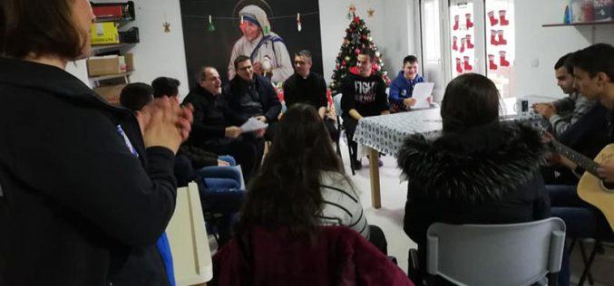 Младите од парохијата Свети Иван Крстител – Струмица во посета на центарот Мајка Тереза – Гевгелија