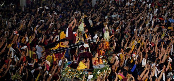 Една од најголемите католички процесии се одржува во Филипините