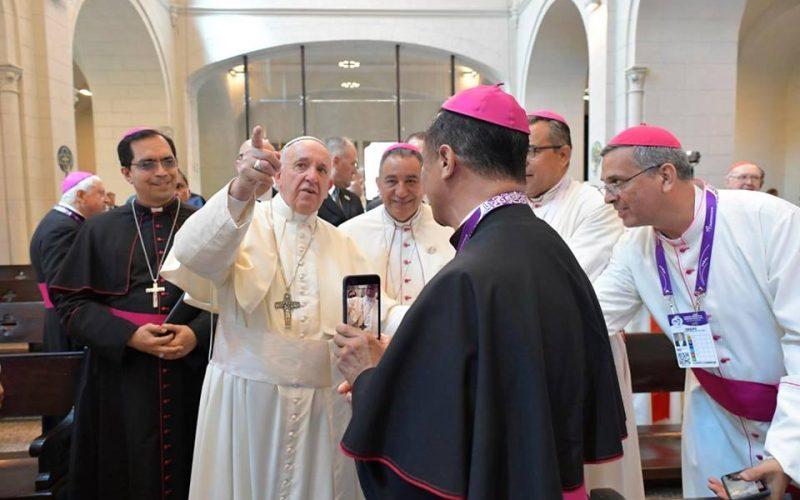 Панама: Папата остро ја осуди корупијата и се зазема за домородното население
