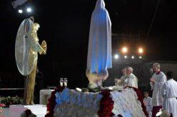 """Папата: Како Марија кажете Му """"да"""" на Бог"""