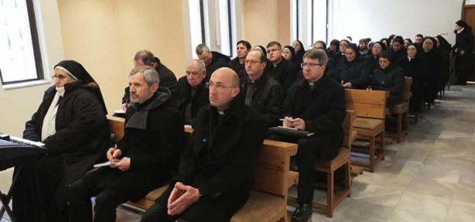 Проповед на бискупот Стојанов на денот на Богопосветените лица