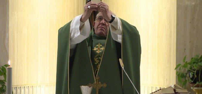 Папата: Бидете истрајни во време на пустош