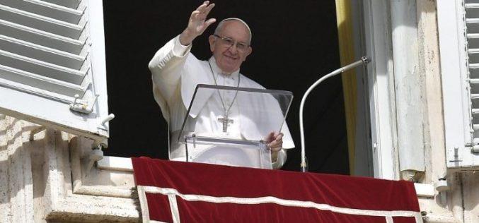 Папата: Исус нека ни помогне за да излеземе на отвореното море на човештвото