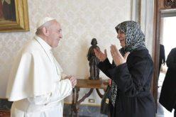 """Папата ја прими претседателката на фондацијата """"Имар Садр"""""""