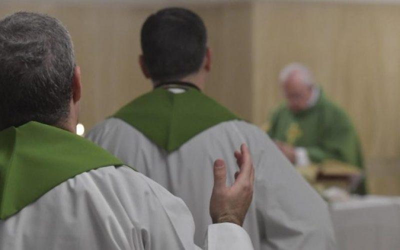 Папата: Најслабите ја плаќаат сметката за денешните несреќи во светот