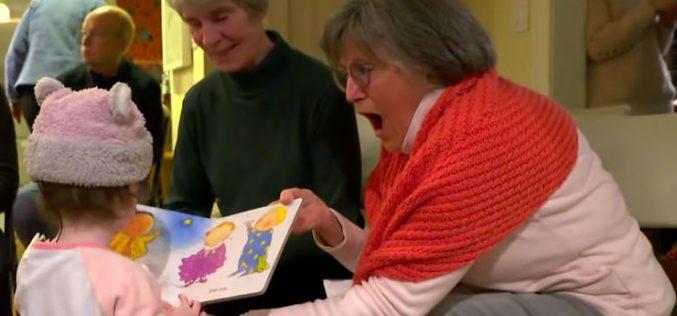 Целото соседство научи знаковен јазик заради сосетката