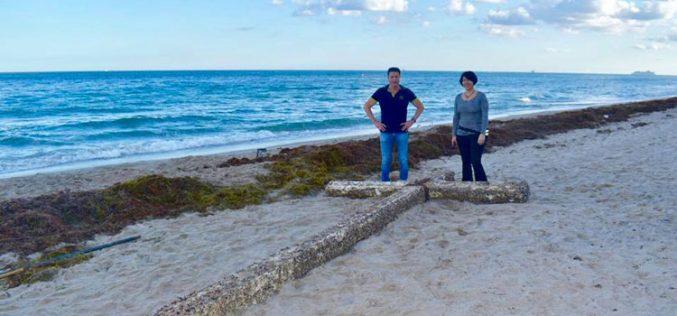 Морето исфрли крст на една плажа во Флорида