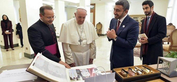 Папата го прими министерот за надворешни работи на Обединетите Арапски Емирати