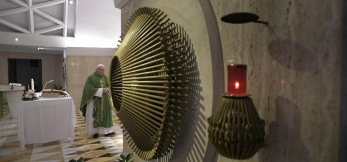 Папата Фрањо: Постои Божјото милосрдие, но постои и Неговиот гнев