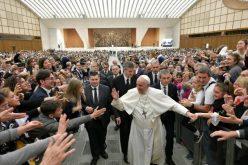 Папата: Да се грижиш за болниот значи да се грижиш за неговото тело и дух