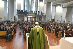 Папата Фрањо: Војните почнуваат од јазикот