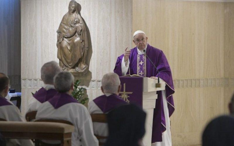 Папата за важноста на материјалната и духовната милостиња