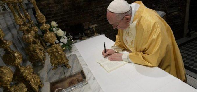 Во Светата куќа во Лорето Светиот Отец потпиша Апостолски поттик за младите