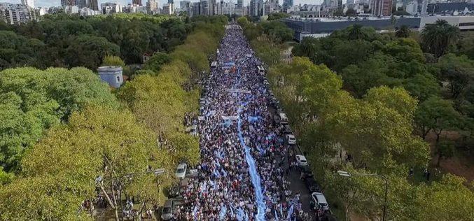 Во Аргентина скоро 2 милиони луѓе на Маршот за живот