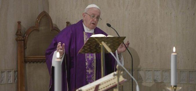 Папата: Тврдото срце ја губи верноста