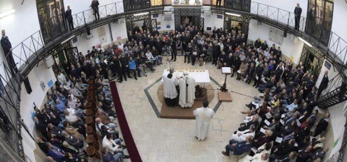 На Велики Четврток Папата ќе служи во затворот Велетри