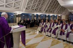 Папата: Молете го Господ храбро, а не млако