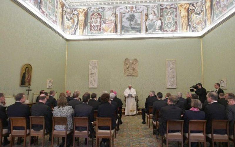 Папата Фрањо: Да се даде простор на убавите вести
