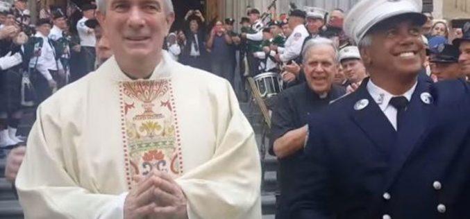 Како пожарникарот Том од Њу Јорк стана свештеник?