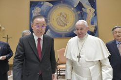 Папата го прими Бан Ки Мун