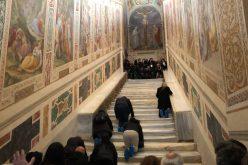 По 300 години верниците повторно чекорат по Светите скали