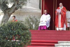 Папата: Исусовото молчење го победува триумфализмот
