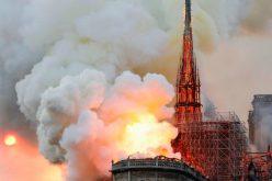 """Со """"шок и тага"""" Ватикан ја прими веста за пожарот во Нотр Дам"""