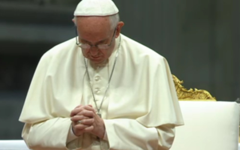 Папата до парискиот надбискуп: Нотр Дам повторно нека биде знак на вера