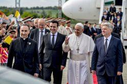 Папата Фрањо оствари средба со претседателот и премиерот