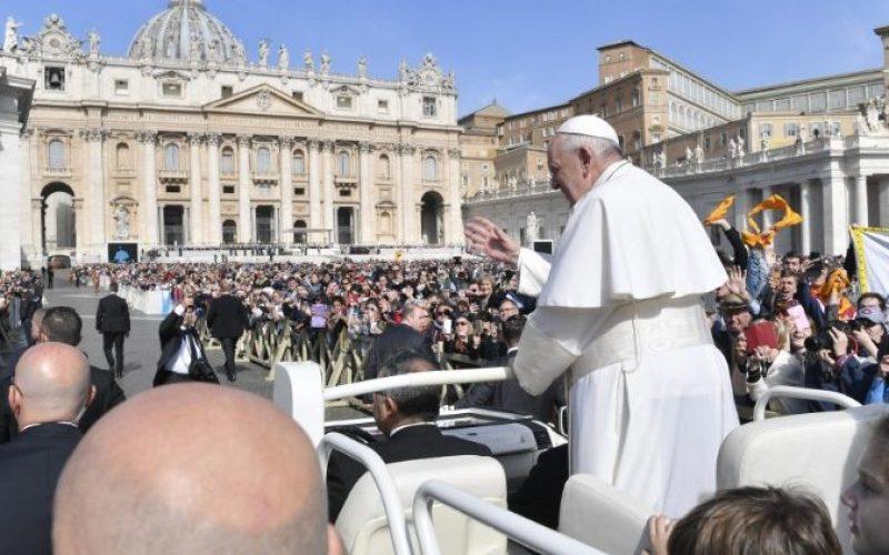 Папата: Марија нека ги благослови Бугарија и Македонија