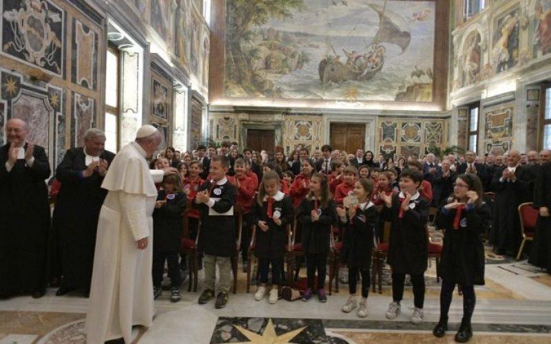 Папата: Учителството не е само занимање, туку и послание