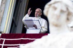 Папата на молитвата Царице Небесна: Љубете се еден со друг