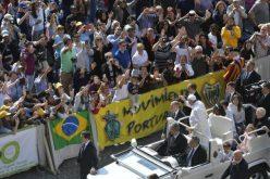 Папата: За да молиме мораме да се понижиме за да нѐ води Светиот Дух